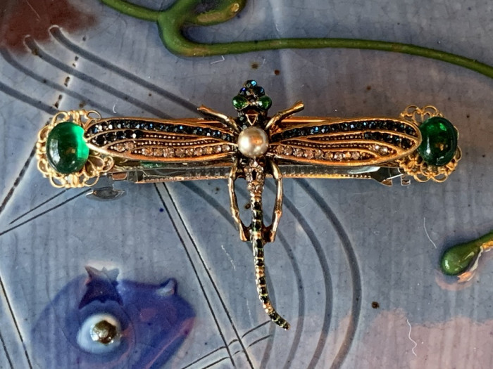 Green and pearl dragonfly barrette